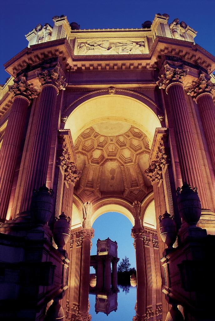 Вид Дворца Изящных Искусств в Сан-Франциско