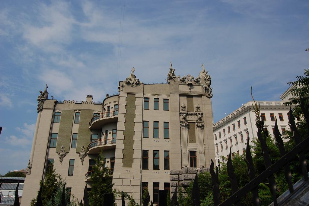 Вид на дом с химерами с торца, Киев