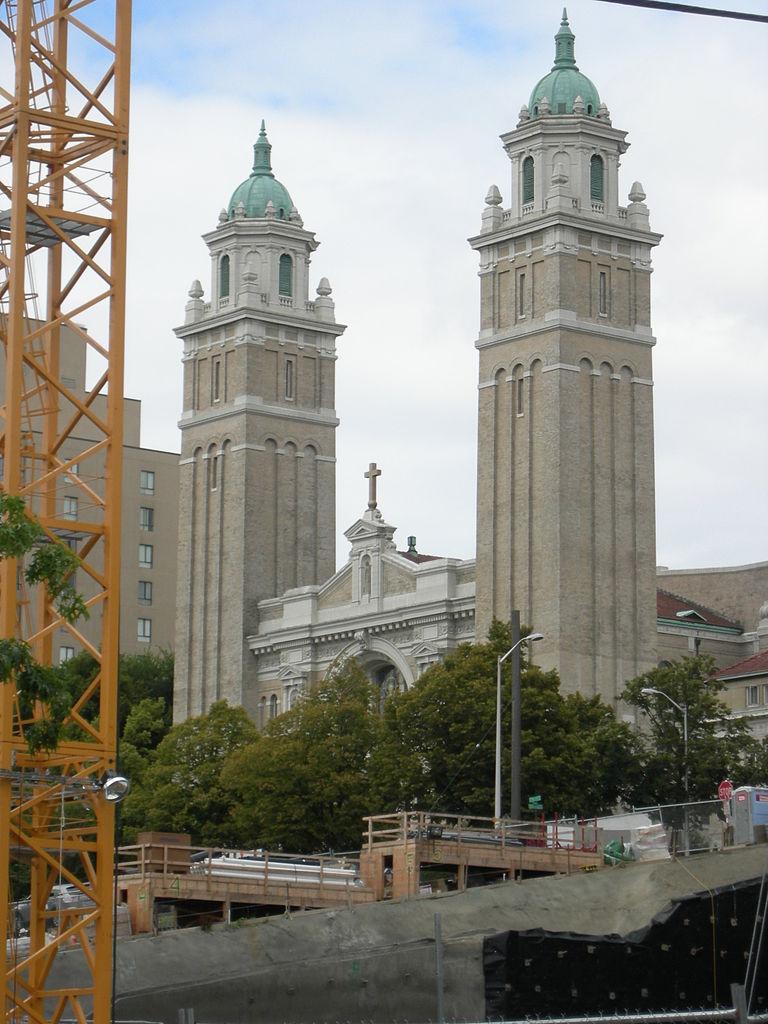 Вид на собор Сент-Джеймс