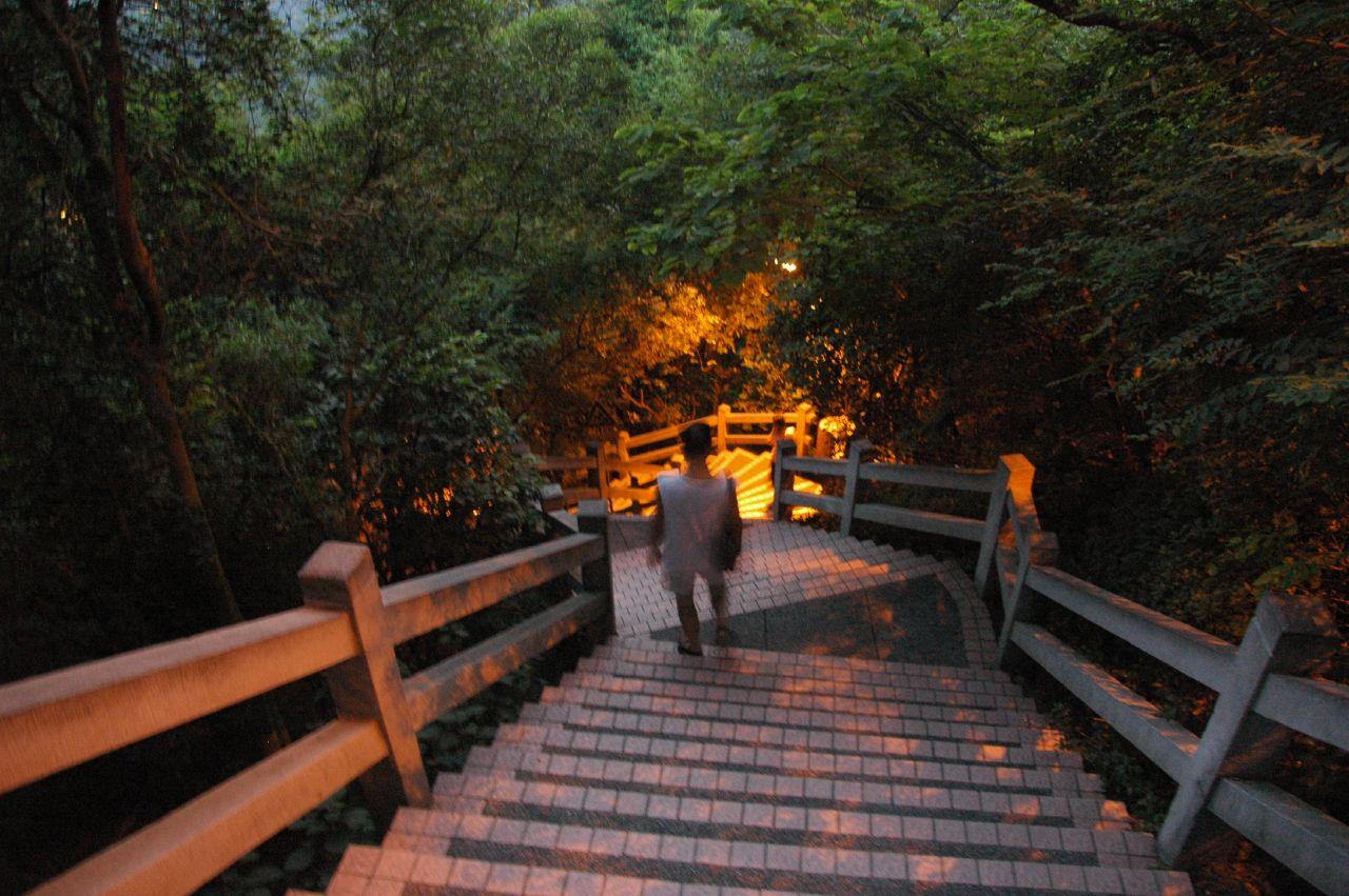 Парк Байюнь вечером, Гуанчжоу