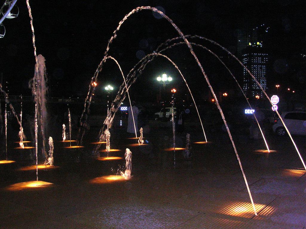 Аль-Касба в Шардже, танцующие фонтаны