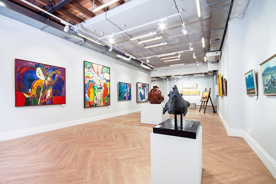 В галерее современного искусства Виктора Бронштейна