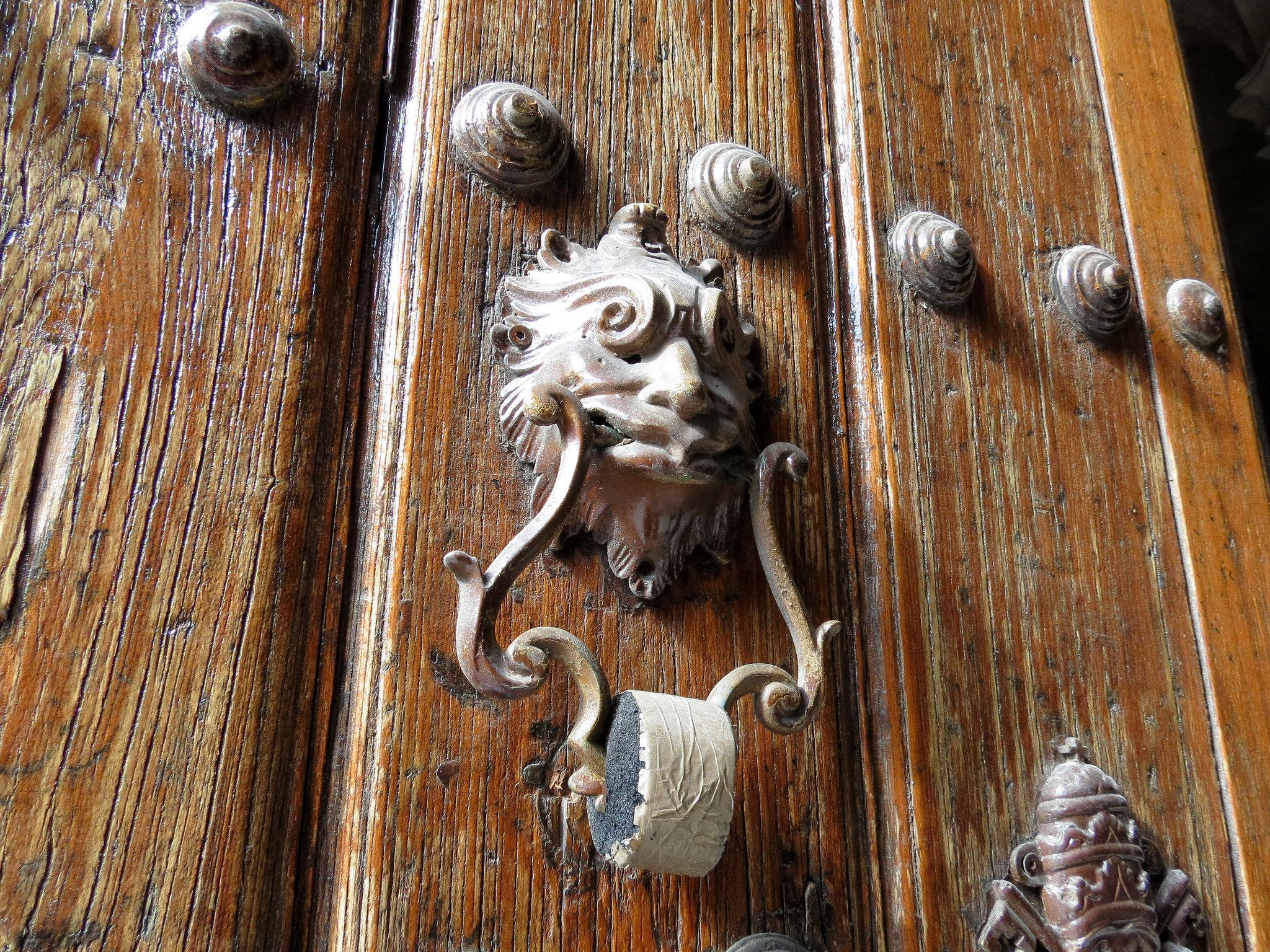 Кафедральный собор Гаваны, дверной молоток