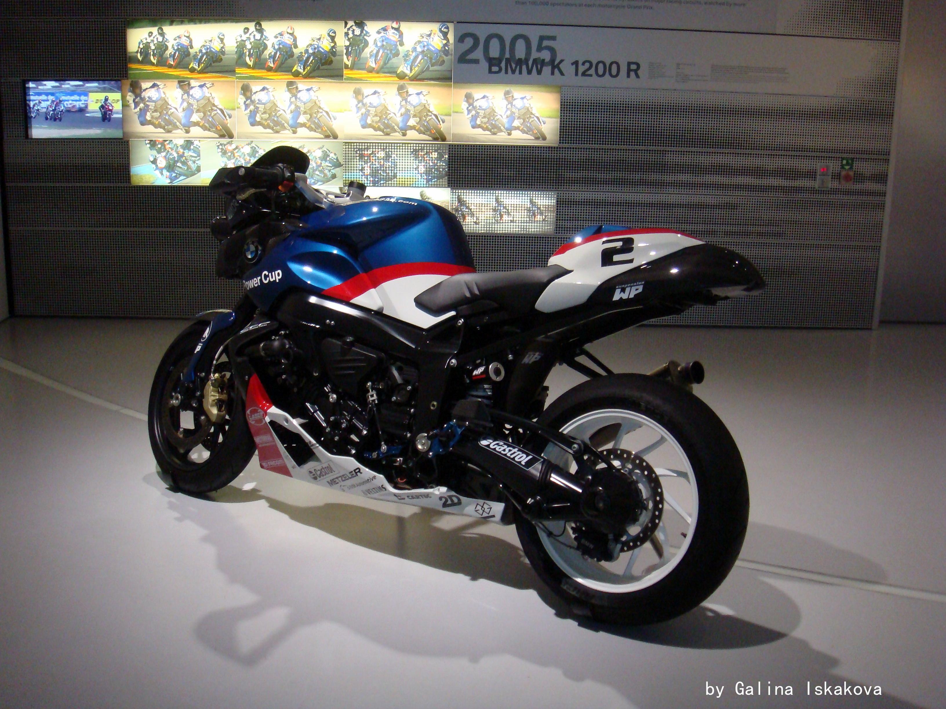 Спортивный мотоцикл BMW K 1200 R