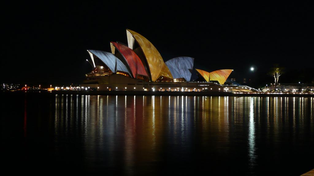 Ночной вид на Сиднейский оперный театр, Сидней