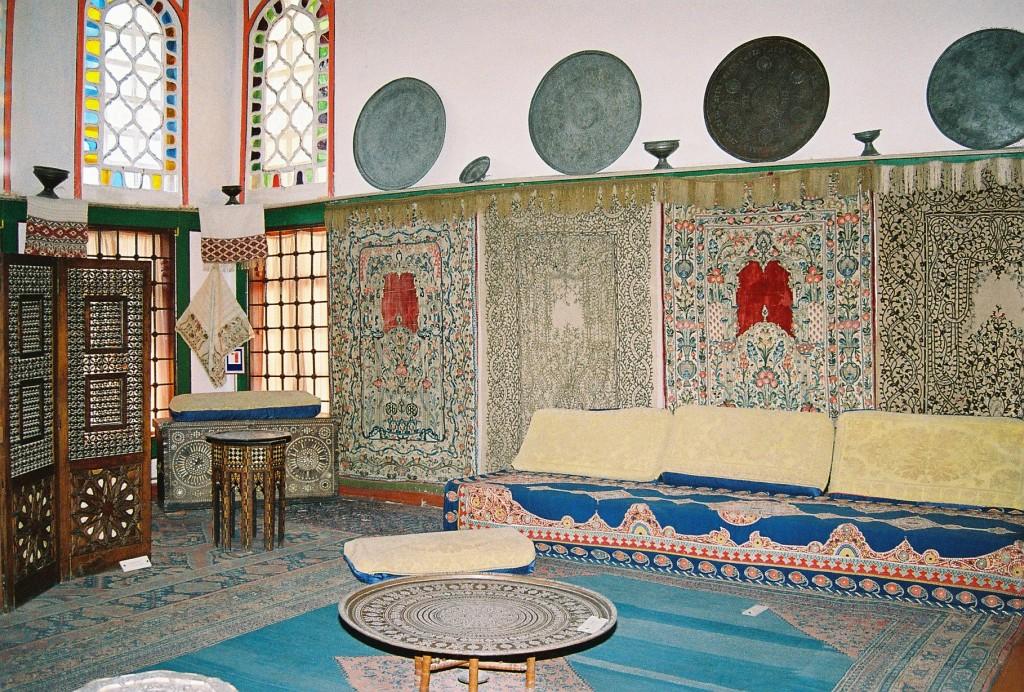 Бахчисарайский дворец. интерьер буфетной