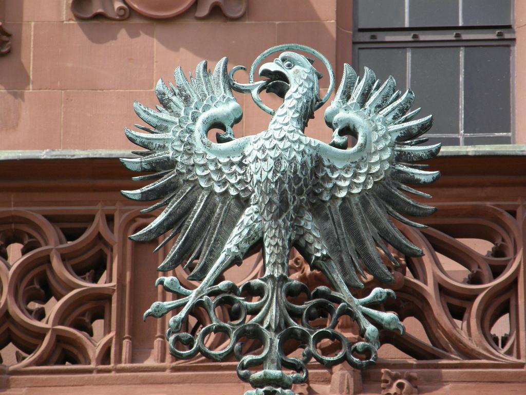 Геральдический знак на площади Рёмер, Франкфурт-на-Майне