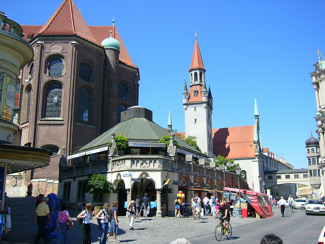 Мариенплац, исторический рынок Виктуалиенмаркт