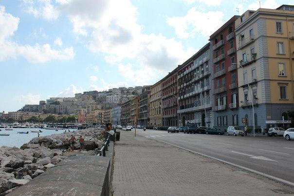 Набережная - севернее площади Мерджелино, Неаполь.jpg
