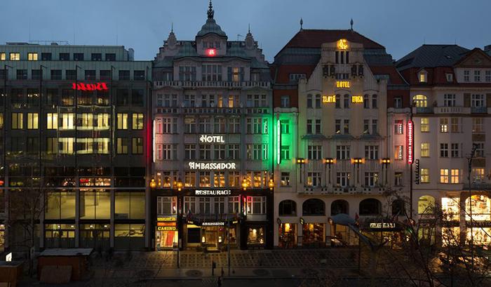 5 симпатичных и недорогих отелей в Праге Ambassador Zlata Husa 4.jpg