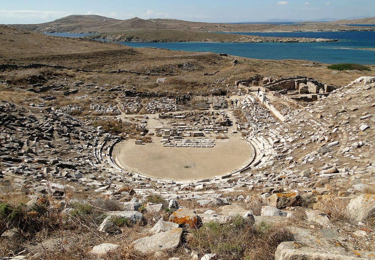 Античный греческий театр в Делосе