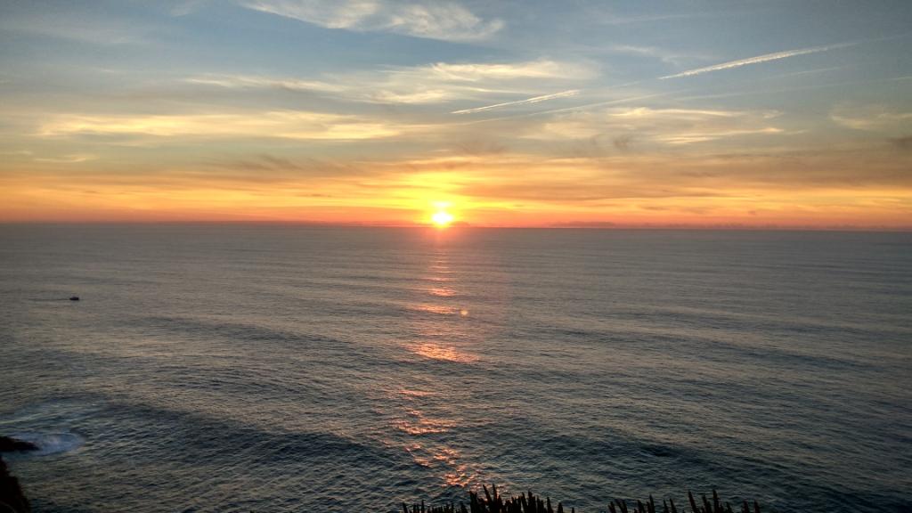 Закат солнца, вид с мыса Рока, Португалия