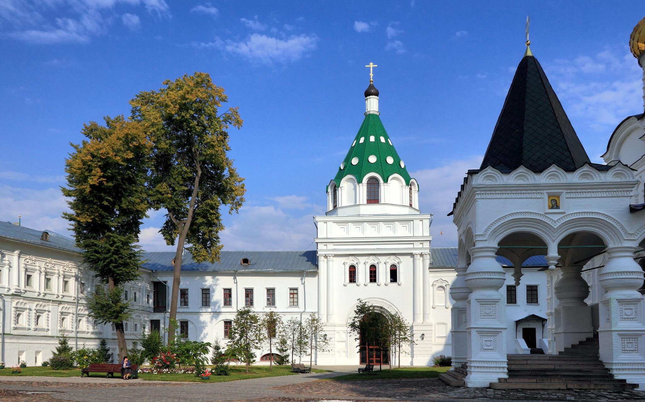 Архиерейский корпус с церковью Хрисанфа и Дарьи, Ипатьевский монастырь, Кострома