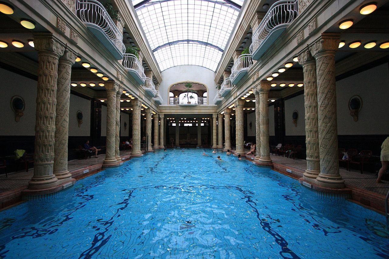 Купальни Геллерт, крытый бассейн