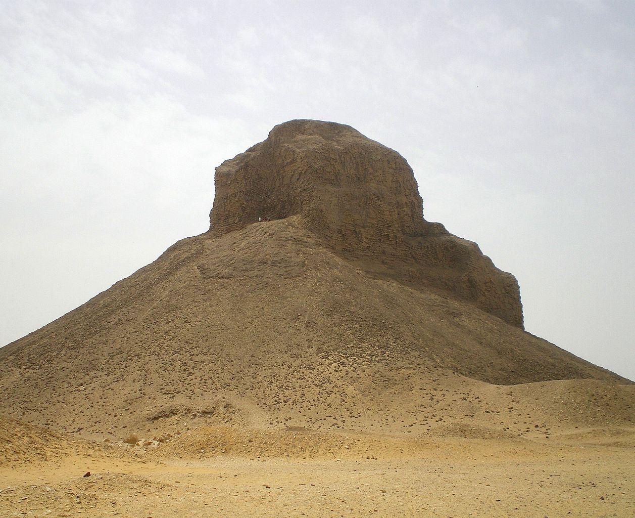 Дахшур, Черная пирамида Аменемхета III