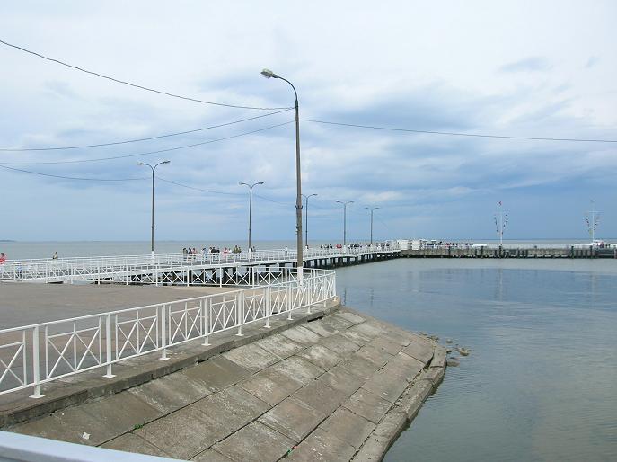 Пристань в Петергофе.JPG