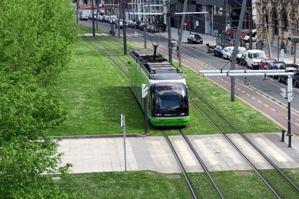 Скоростные трамваи в Бильбао.jpg