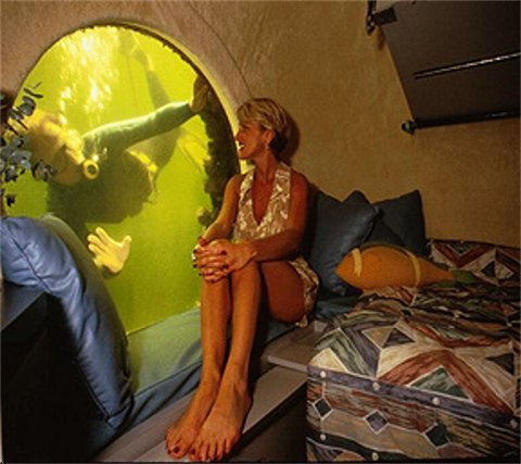 Jules' Undersea Lodge.jpg