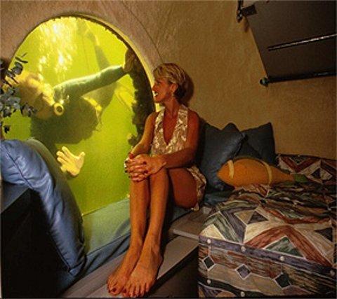 Jules' Undersea Lodge.jpg