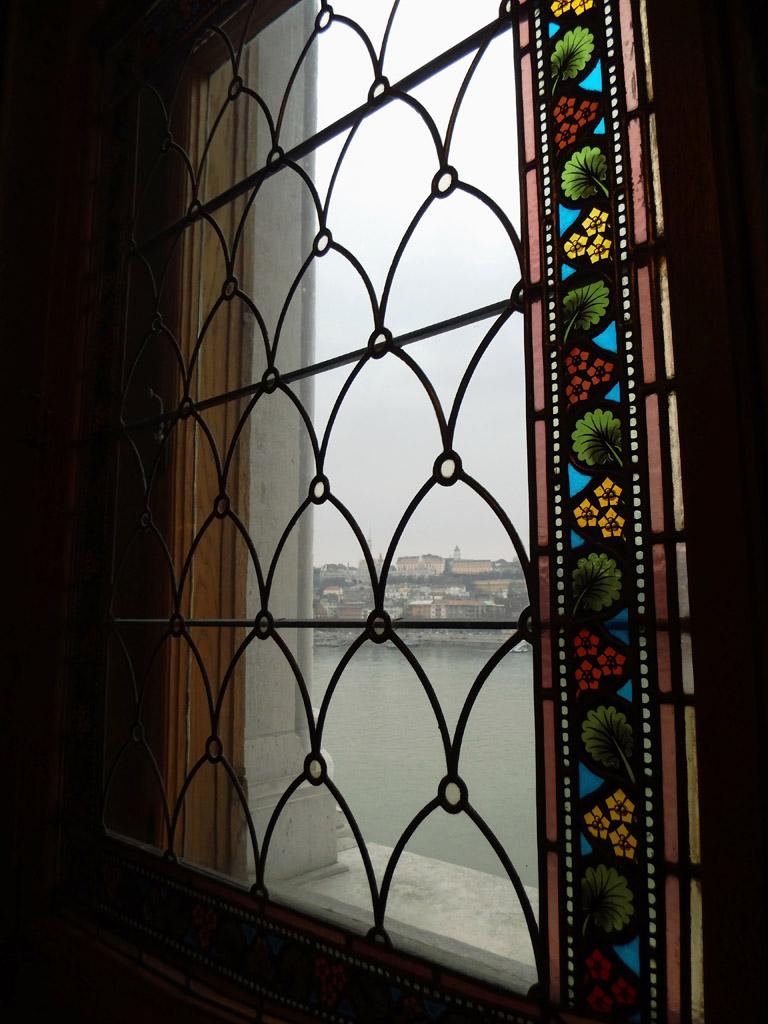 Вид из окна венгерского парламента, Будапешт