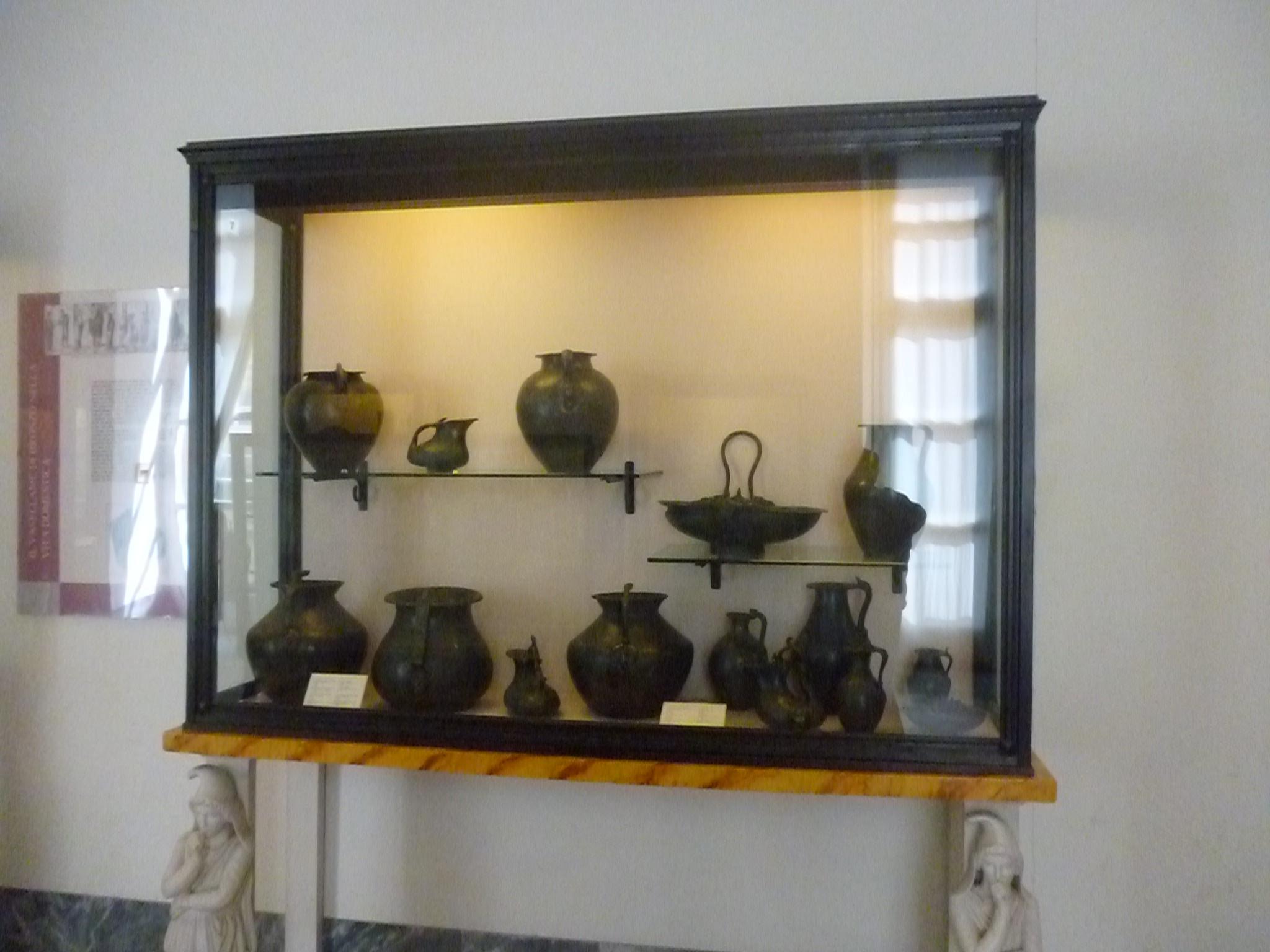 Гончарные изделия, Археологический музей Неаполя