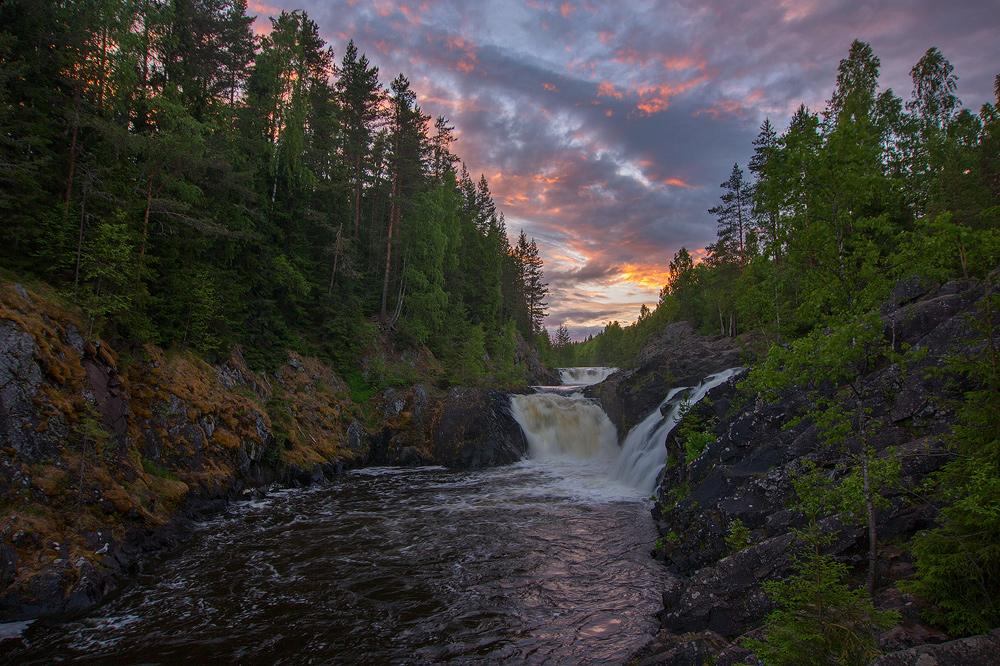 Водопад Кивач на закате