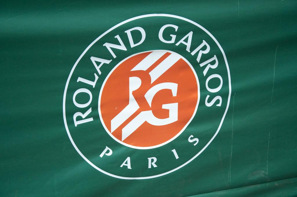 Логотип чемпионата Франции по теннису