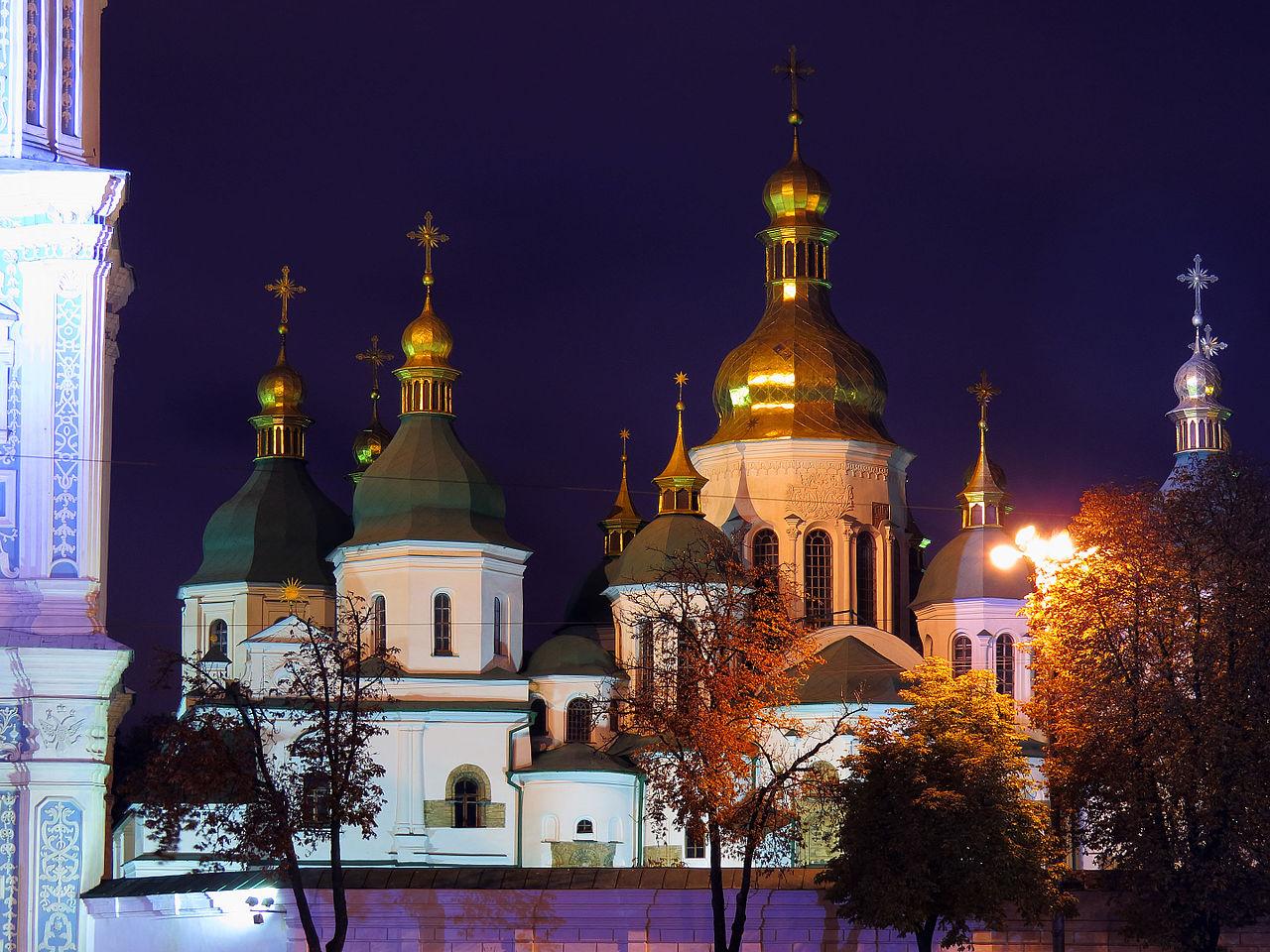 Софийский собор ночью