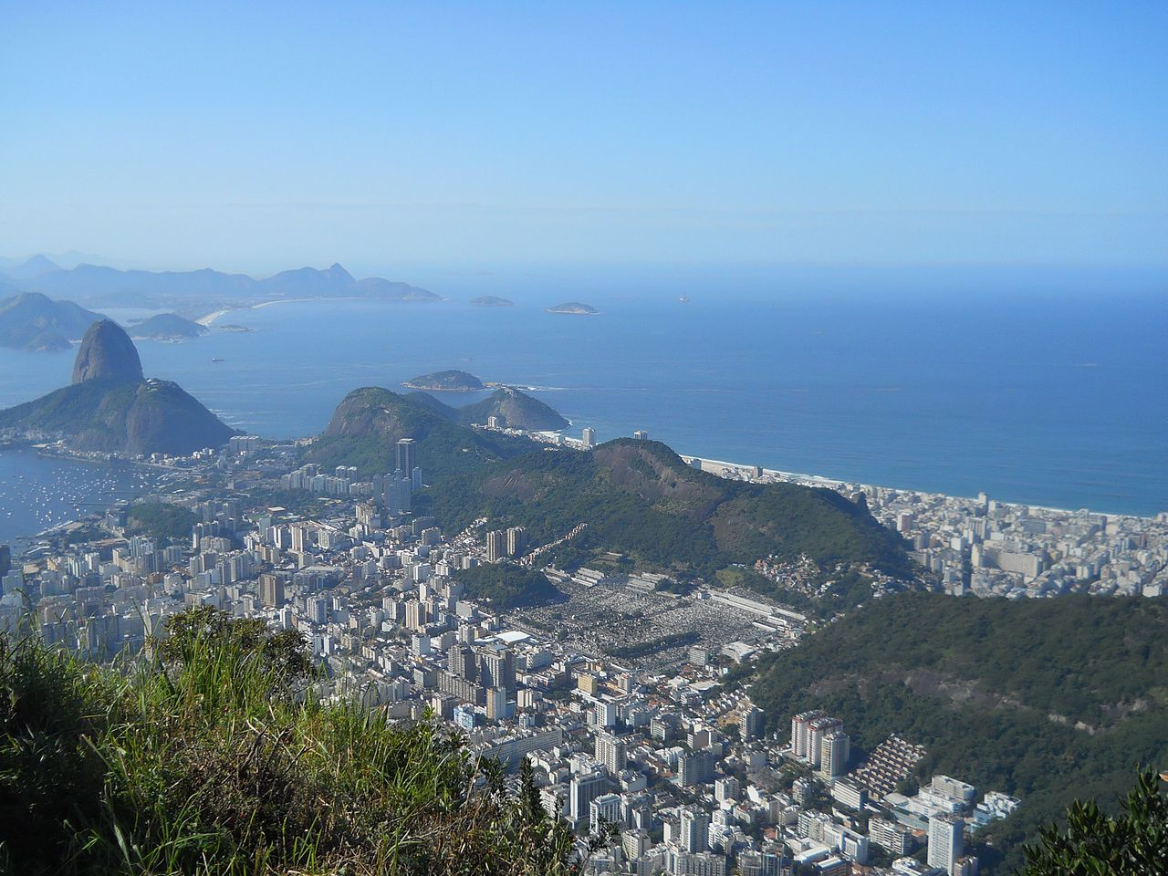 Вид на Рио-де-Жанейро с вершины Корковаду