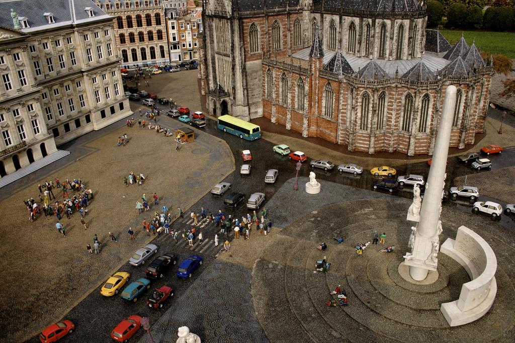 Вид на площадь Дам и Национальный монумент
