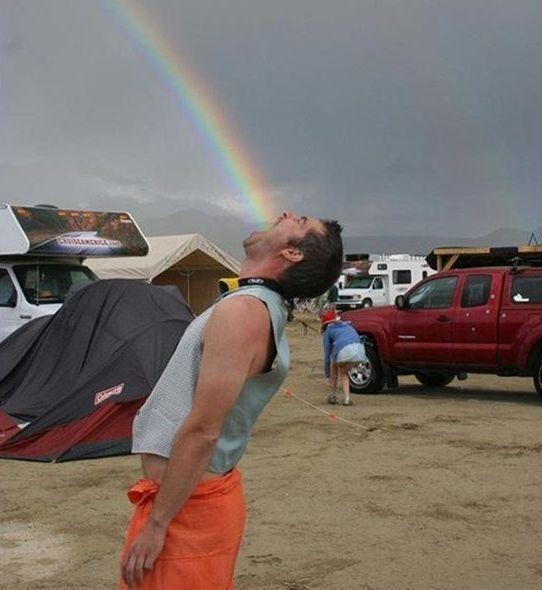 Долой унылые фотки 5 когда дотянулся до радуги и попробовал радугу.jpg