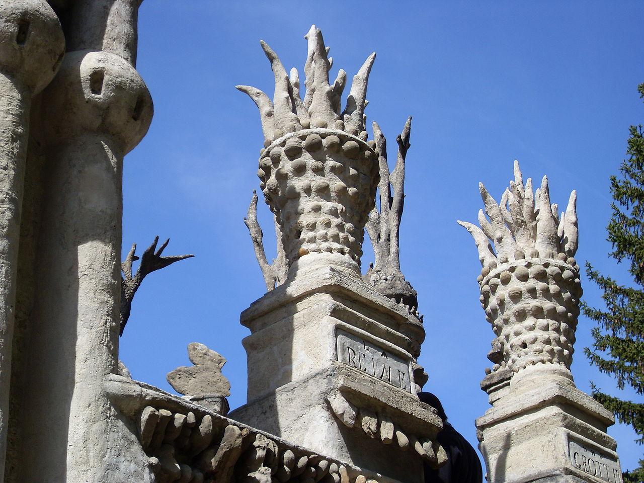 Идеальный замок Фердинанда Шеваля, деталь крыши