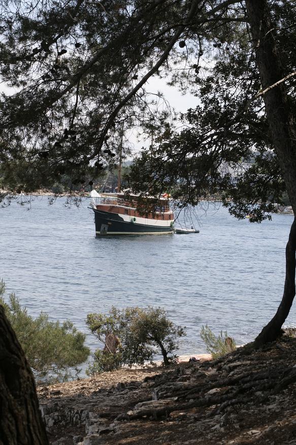 Дикие пляжи Пореча, Хорватия.JPG