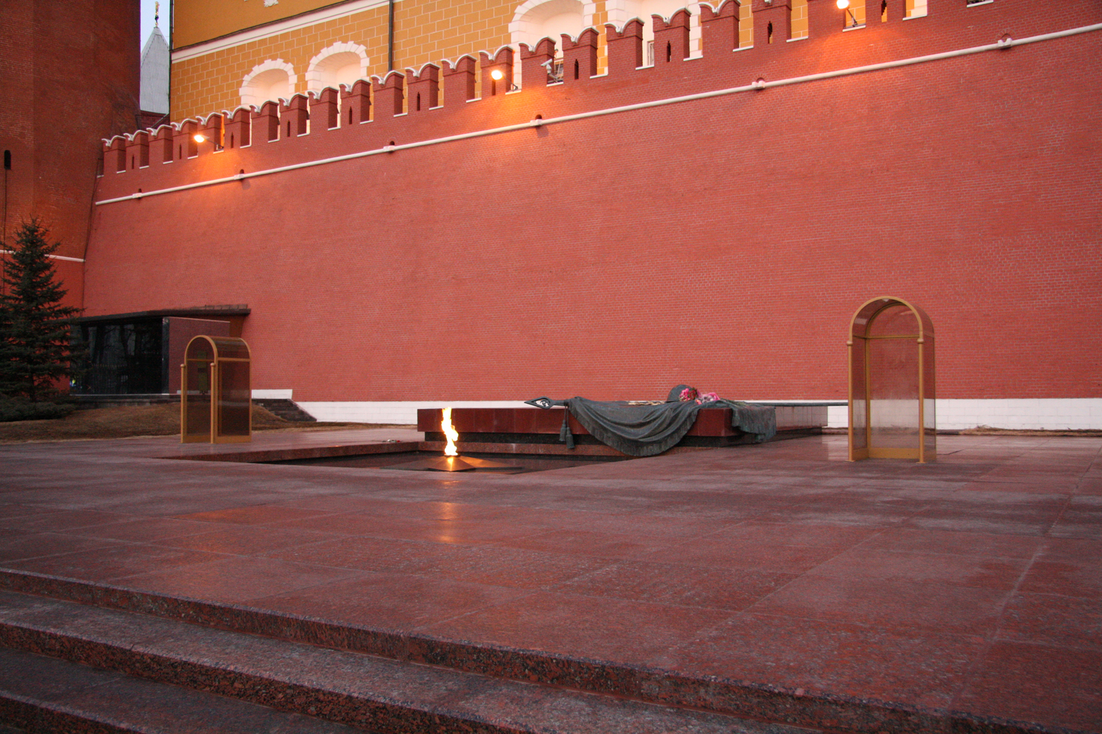 Вечный огонь, Александровский сад, Москва