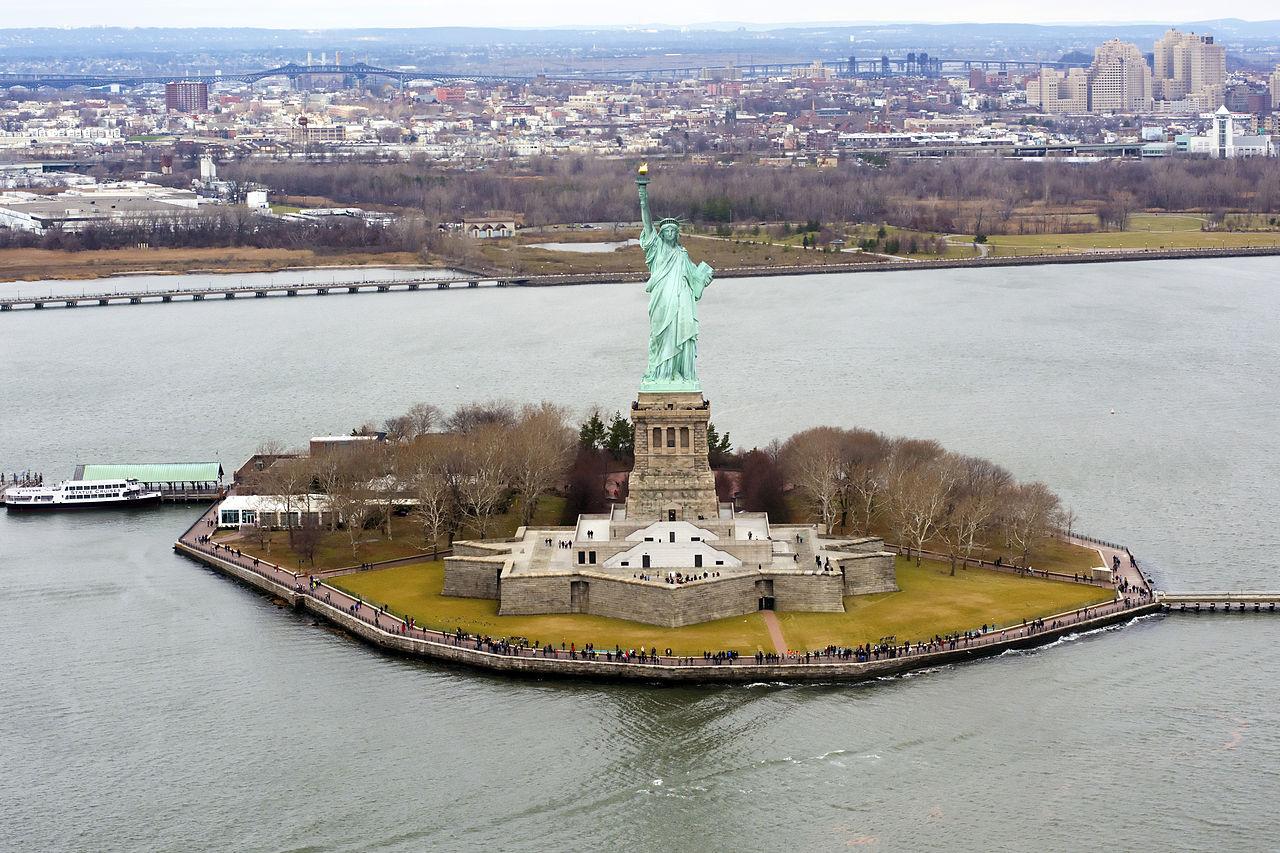 Статуя Свободы в Нью-Йорке, остров Свободы