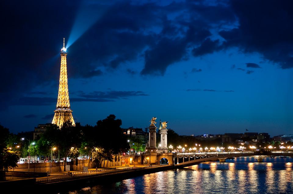 Мост Александра III, ночной Париж