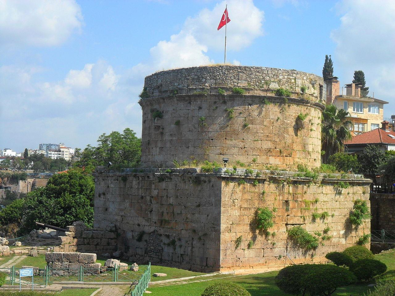 Башня Хыдырлык, римское сооружение II века н. э.