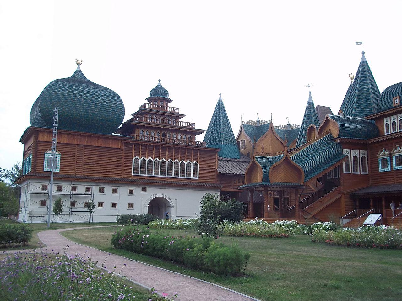 Коломенский дворец, крыльцо