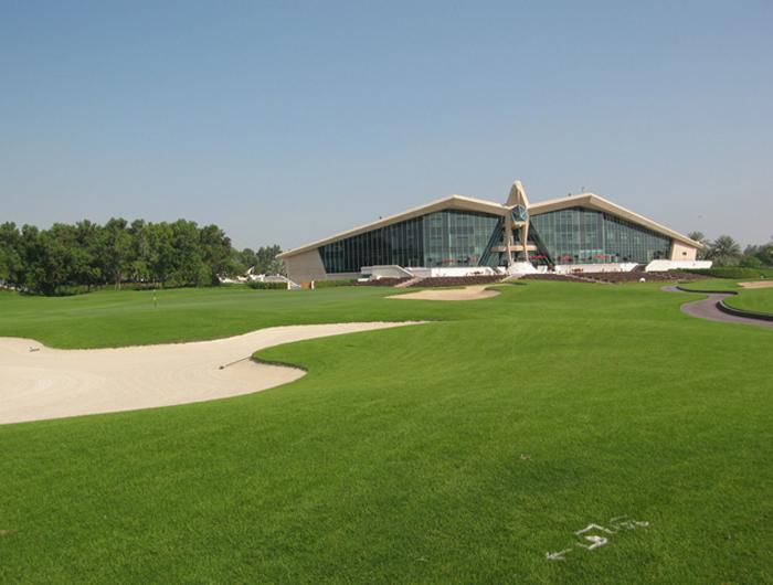 Поле для гольфа, Абу-Даби.jpg