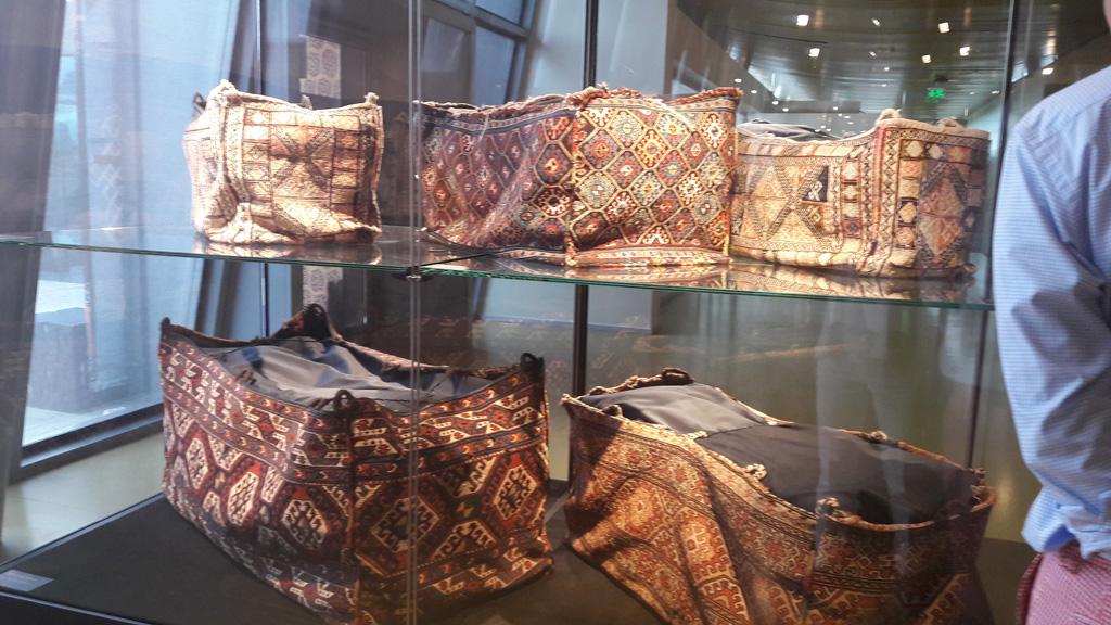 Экспонаты музея ковра, Баку