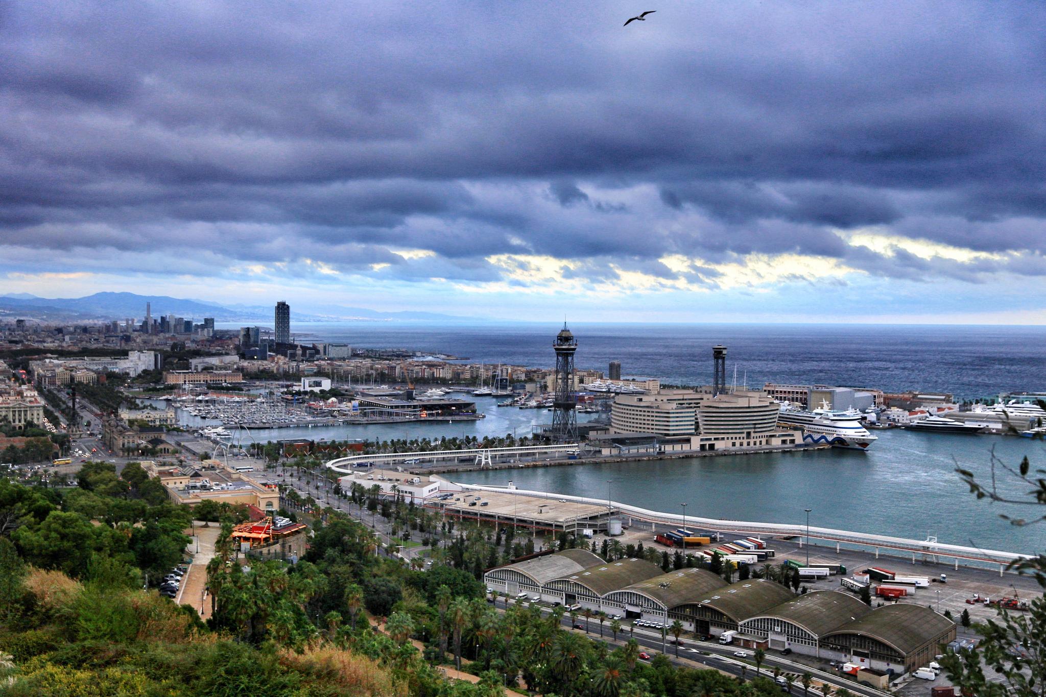 Вид на Старый порт Барселоны