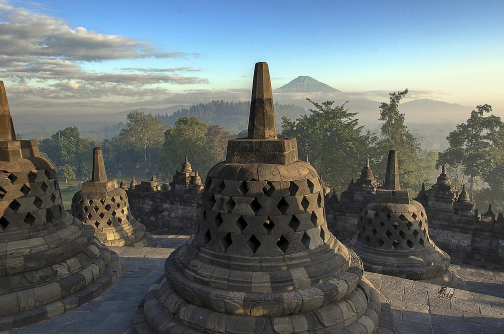 Вид с храма Боробудур, Ява