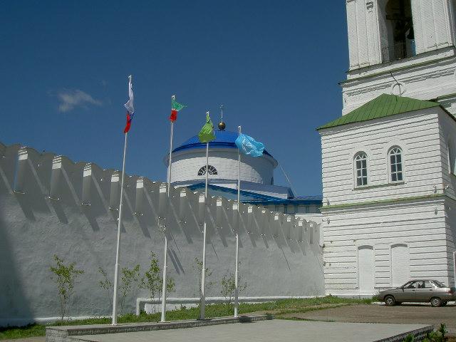 Стены Раифского монастыря, Казань.JPG