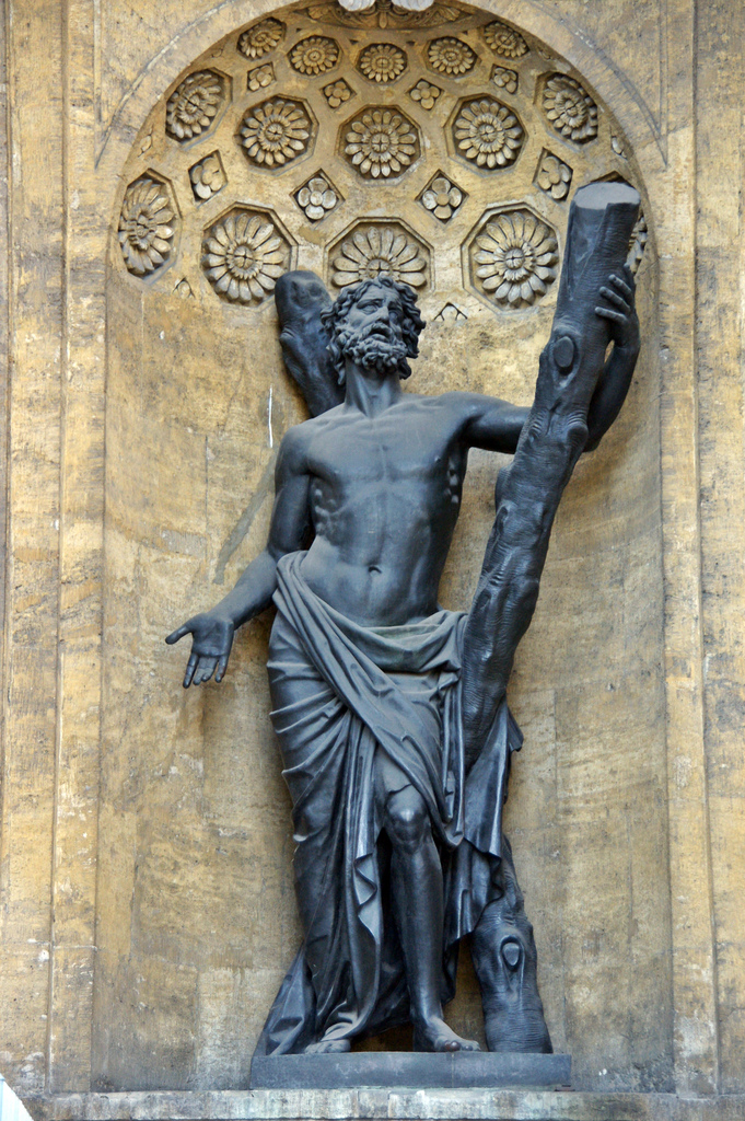 Бронзовая скульптура Андрея Первозванного, Казанский собор в Петербурге