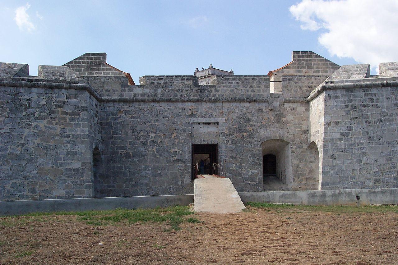 Крепость Ла-Реаль-Фуэрса, вход