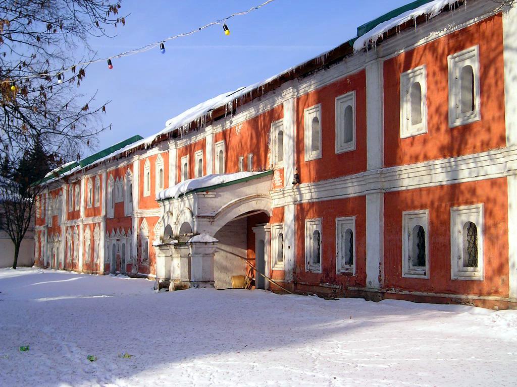 Спасо-Преображенский монастырь, кельи (северо-восточный корпус)