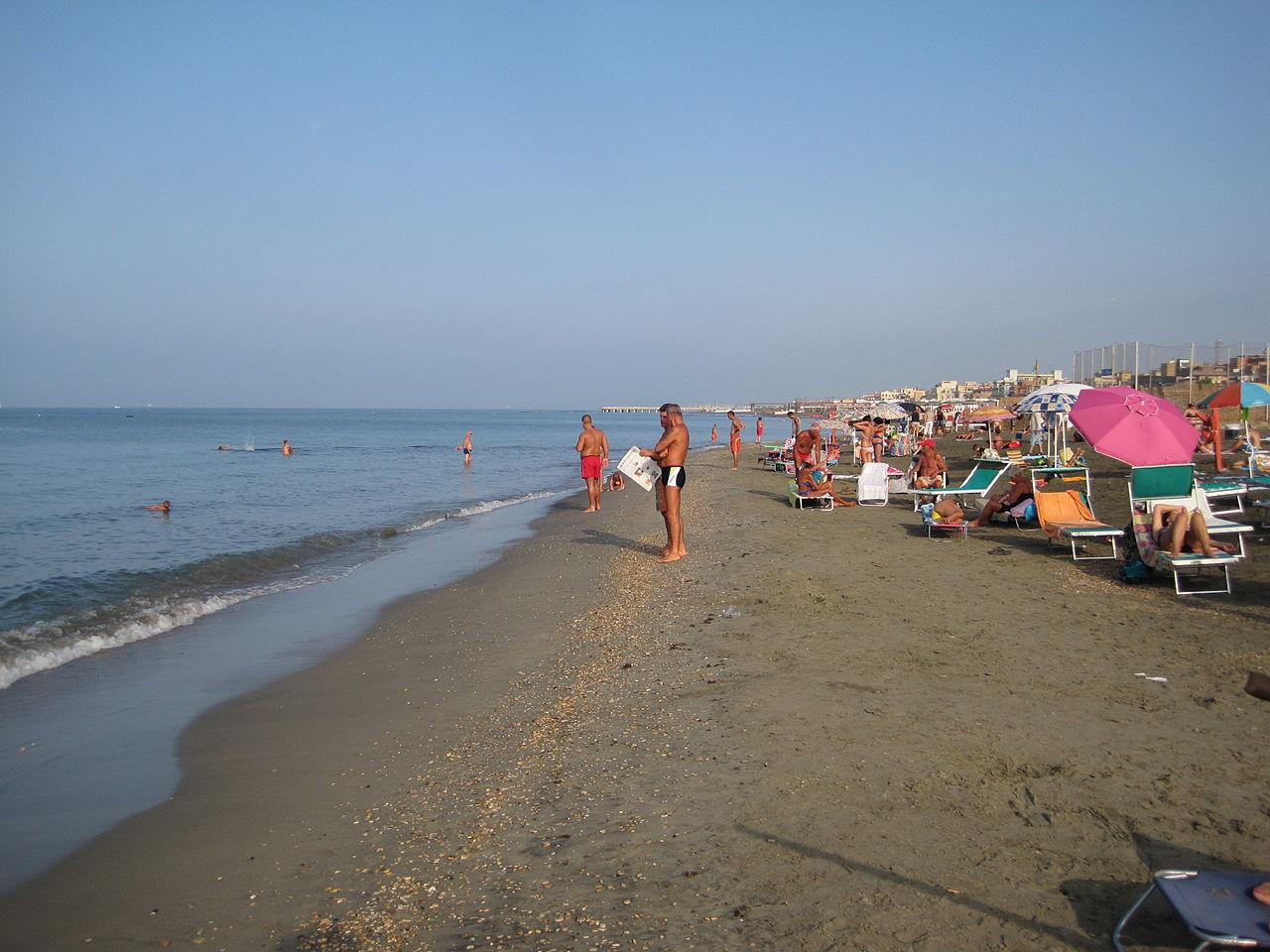 Пригород Рима, пляж Остии