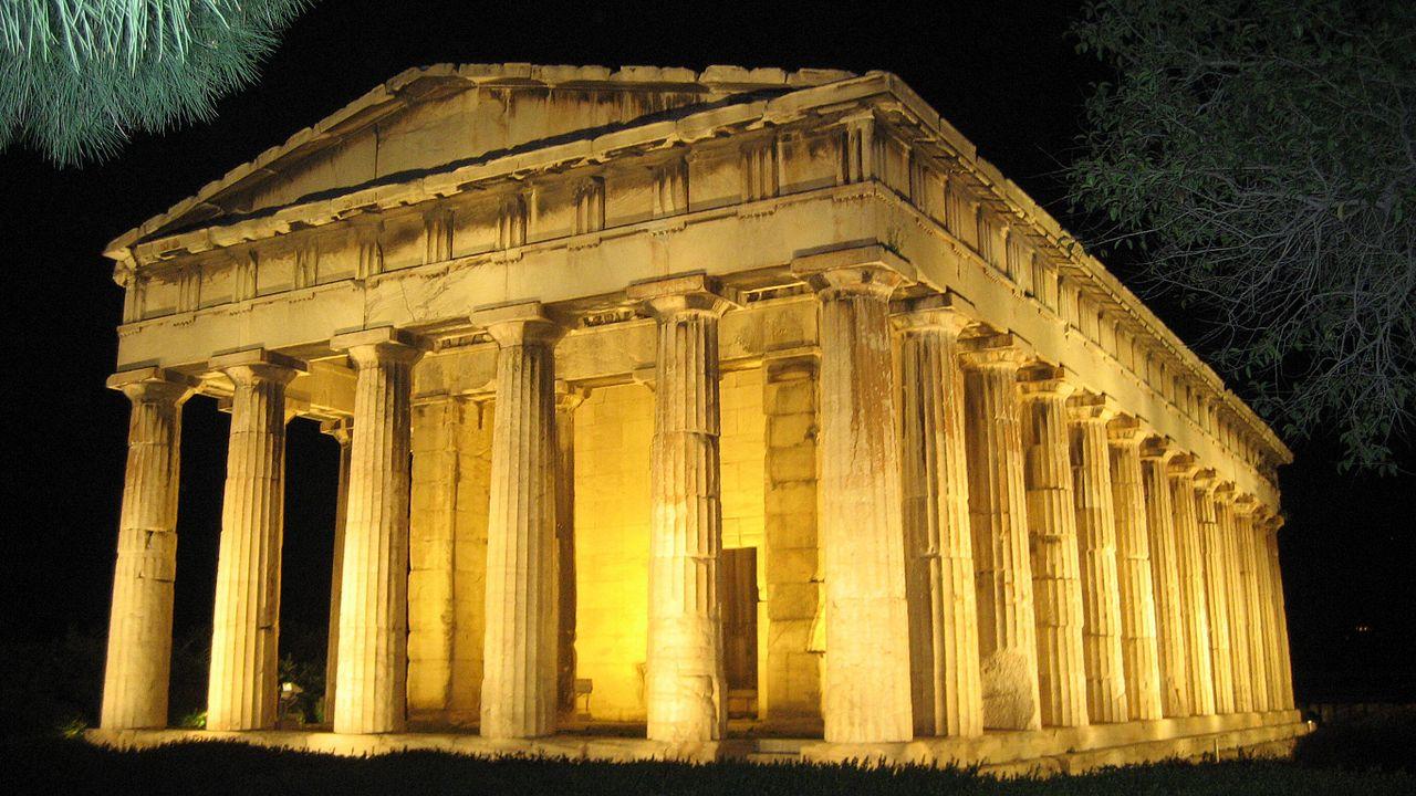 Храм Гефеста в вечернем освещении