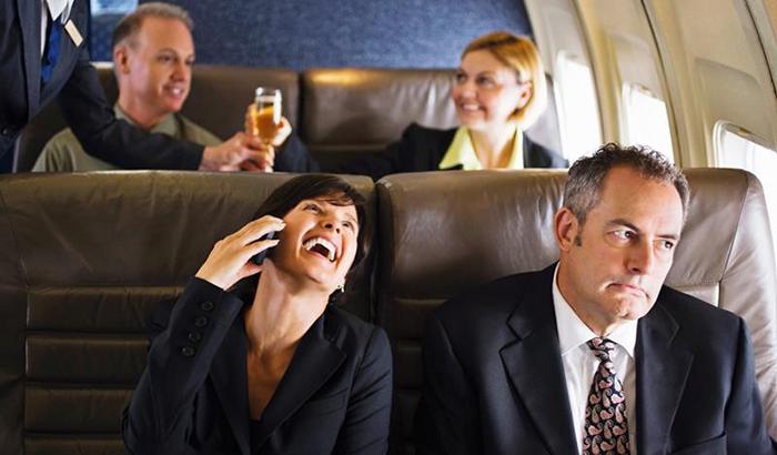 4 причины, по которым пользоваться мобильным в самолете нельзя 3.jpg