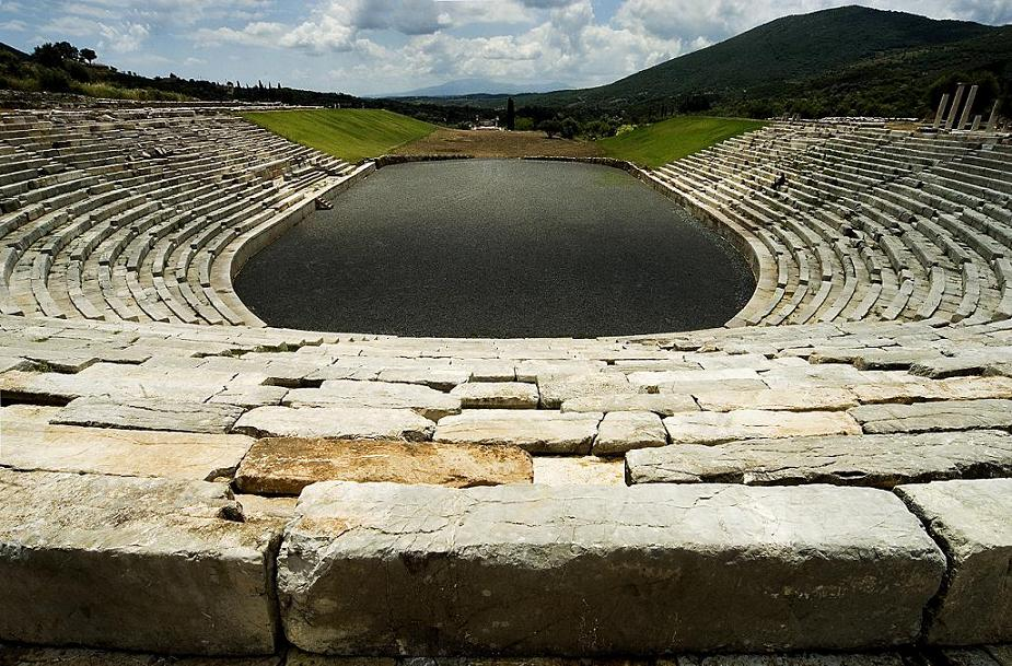 Античный стадион в Мессини